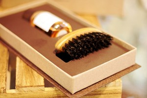 BEARD ALCHEMY - Box con Olio da barba Rugiada & Travel Brush